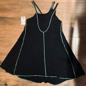 Black dress with green details 🖤🌿 L